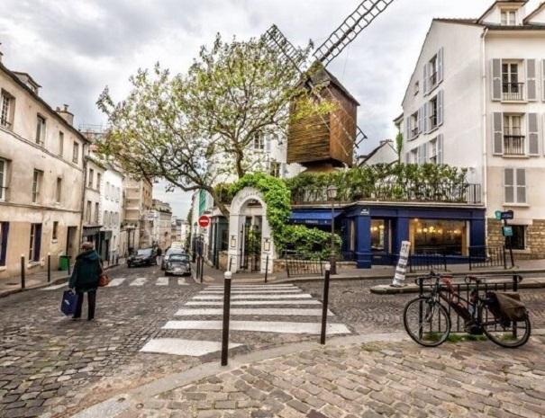 Le-moulin-de-la-galette-Montmartre