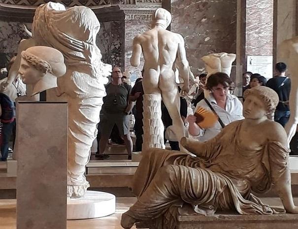 Louvre Heykel