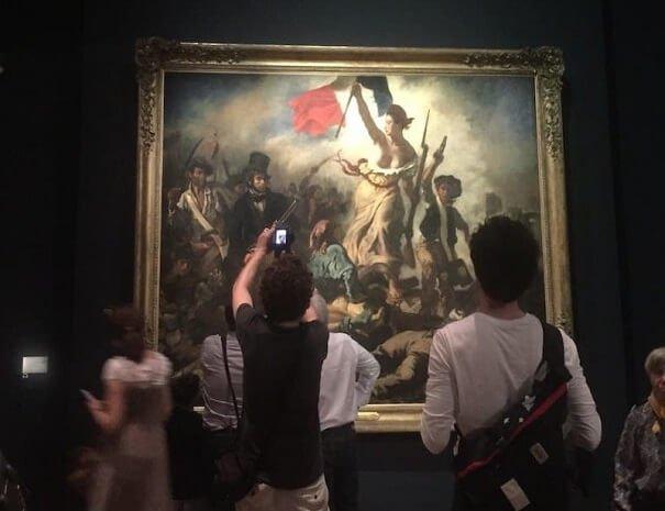 206_Louvre_Muzesi_Delacroix_Halka_yol_gosteren_ozgurluk